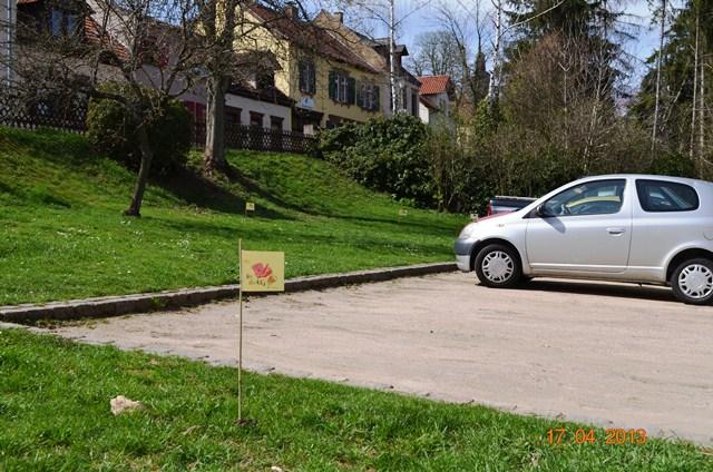 Parkplatz hinter der Wehrmauer - am Wehrgang
